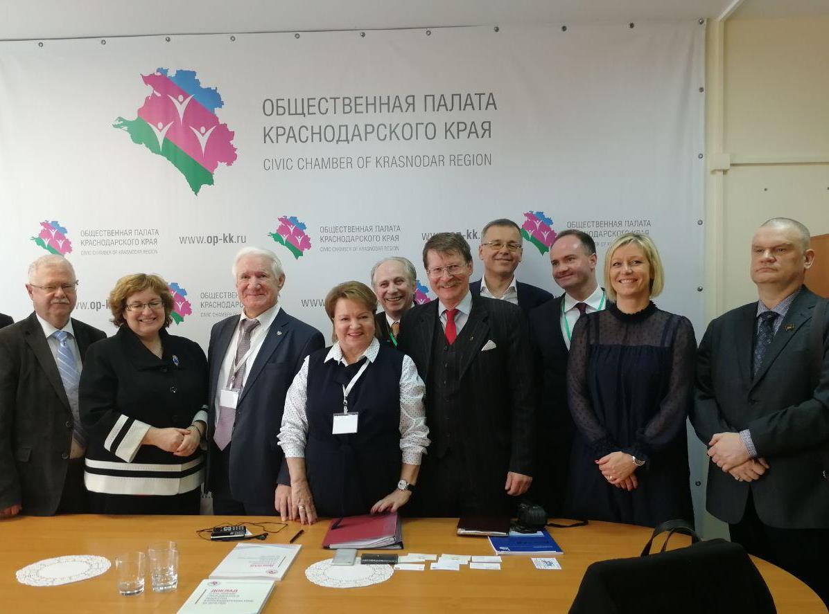 В день голосования Общественную палату Краснодарского края посетили международные наблюдатели